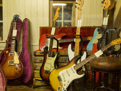 Buying Used/Vintage Guitars As Investments image